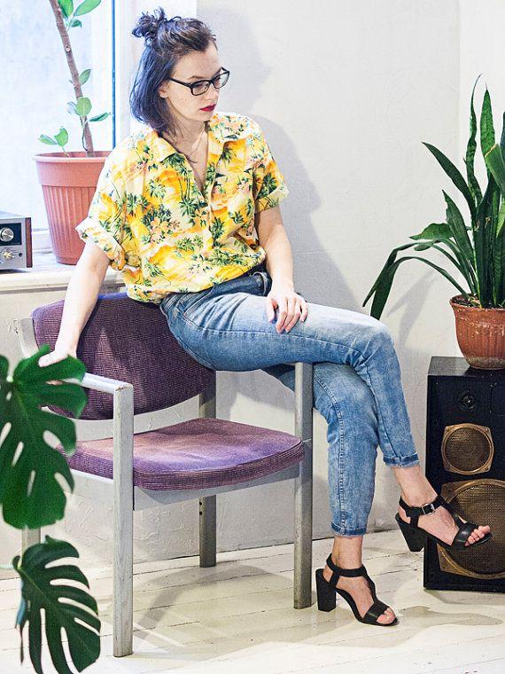 Tropical Hawaii aloha shirt blouse oversize yellow sunset palm .