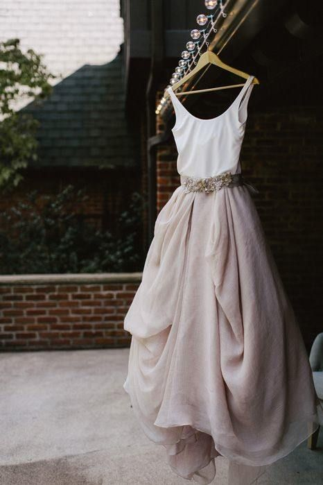Casual Wedding Dresses For The Minimalist | Backyard wedding .