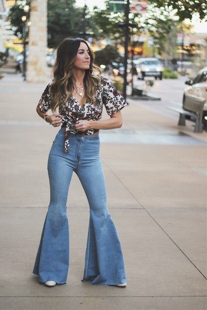 Pin by Grace on Cute Outfit Ideas | Bell bottom jeans outf