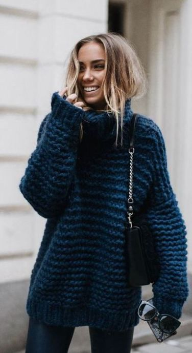 19 Cute and Cozy Oversized Sweater Outfits | SWEATSHIRT .