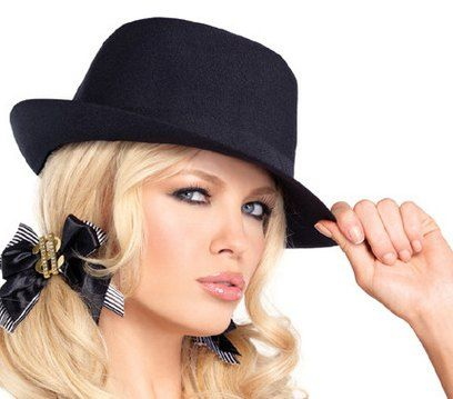 Classic casual fashion black felt fedora hat blonde girl | Fashion .