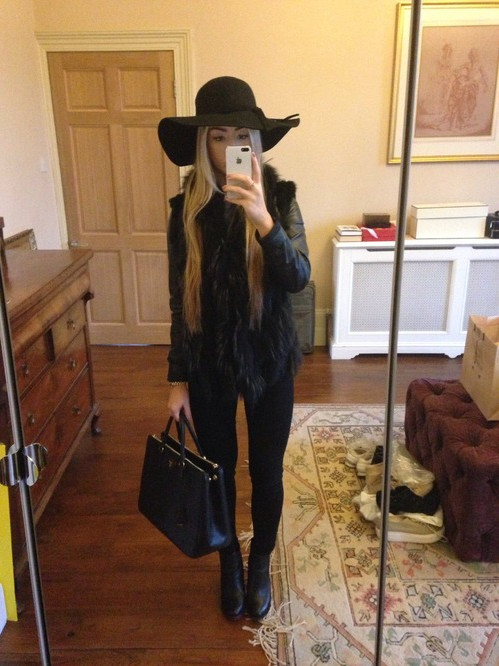 floppy hat outfit | Outfits with hats, Fall hat outfits, Black .