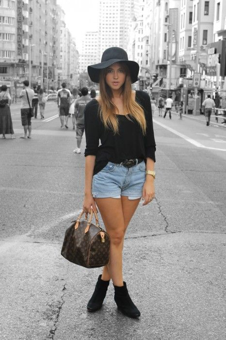 I want a black floppy hat! | Outfits with hats, Hat outfits summer .
