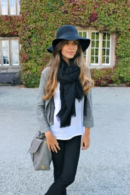A floppy hat for winter. Love it | Outfits with hats, Fashion, Sty