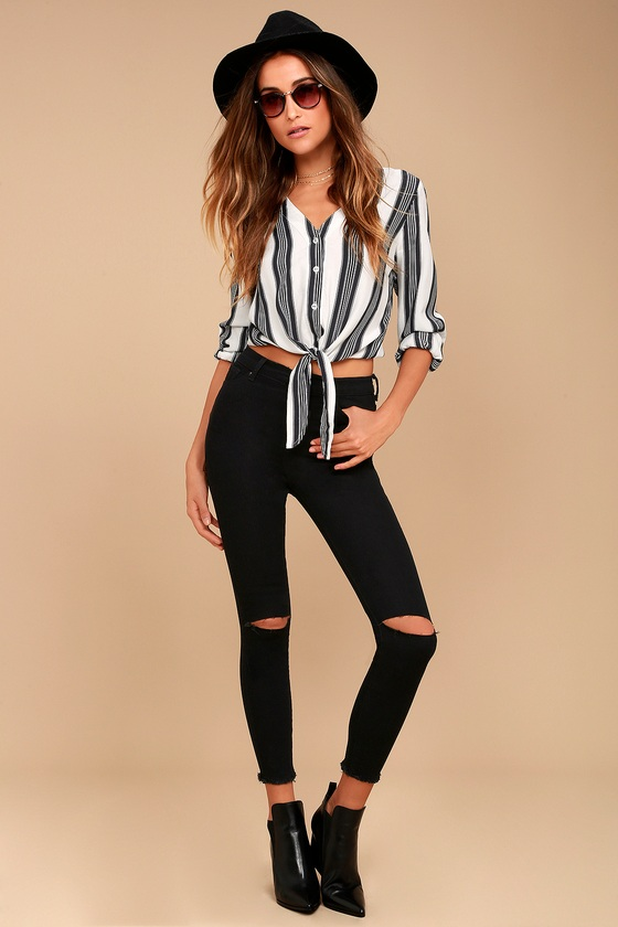 Classic High-Waisted Jeans - Distressed Jeans - Skinny Jea