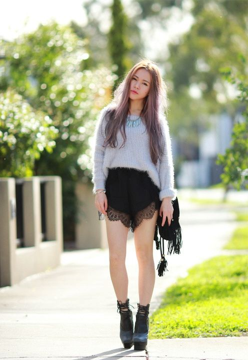 26 Stunning Outfit Ideas With Lace Shorts | Lace short outfits .