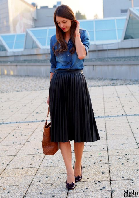 the–one: Black Pleated Skirt via Shein She looks great in a knee .
