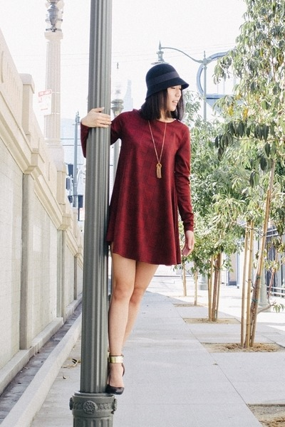 Black Hats, Brick Red Swing Dress Dresses, Black Unknown Heels .