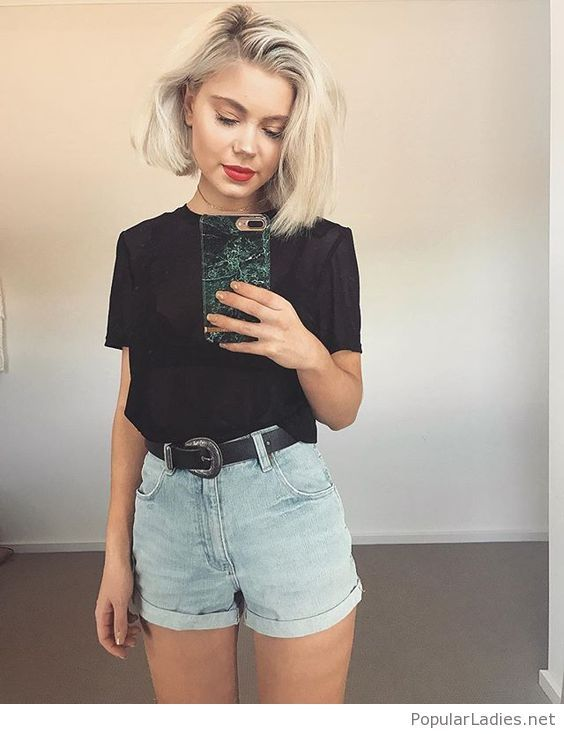 Simple black t-shirt and short jeans look | Casual summer outfits .