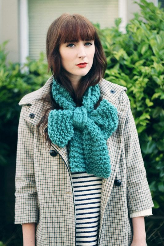 How to Style Bow Scarf: 14 Amazing Outfit Ideas - FMag.c