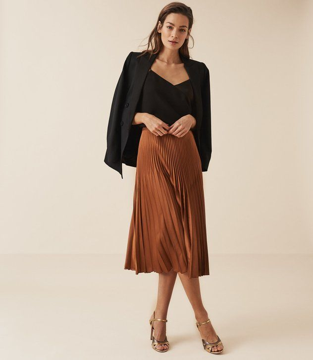 REISS - ISIDORA PLEATED MIDI SKIRT | Pleated skirt outfit, Pleated .