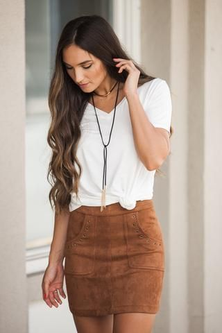 How to wear a suede skirt 15 outfit ideas | Fashion, Tan skirt .
