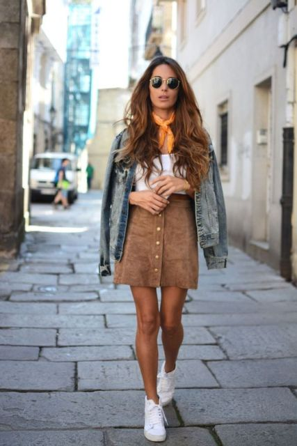 16 Comfy And Feminine Suede Skirt Outfits - Styleohol