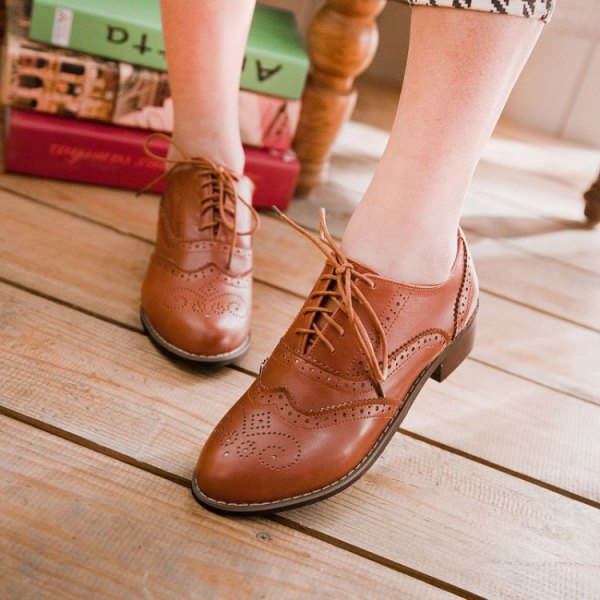 Best 15 Brown Wingtip Shoes Outfit Ideas for Women - FMag.c