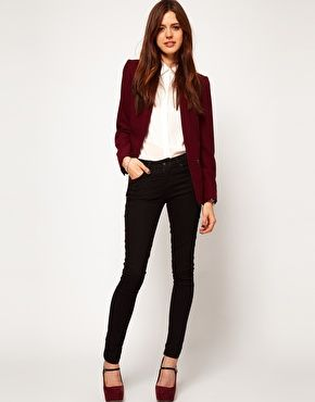 Agrandir ASOS - Blazer avec poche zippée | Burgundy blazer outfit .