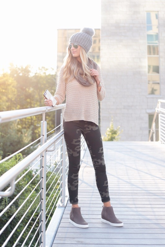 How to Style Camo Leggings for Fall Two Different Wa