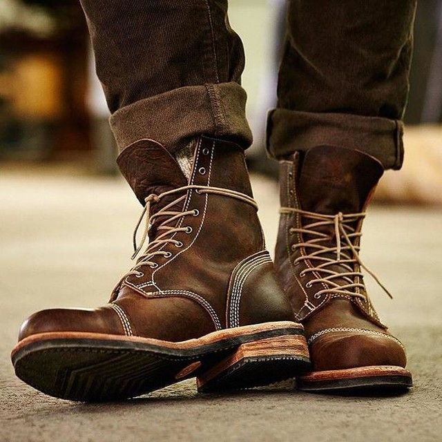 Rugged good looks. Impeccable quality. The Smugglers Notch 8-Inch .