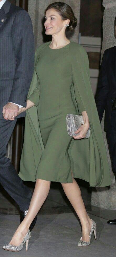 Queen Letizia - olive green cape-dress + snake print | Fashion .