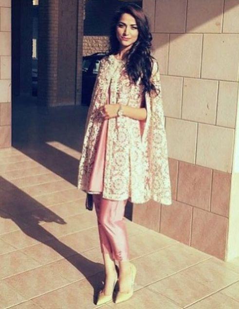 Cape Vs Kurti Top | Pakistani cape dresses, Cape dress pattern .