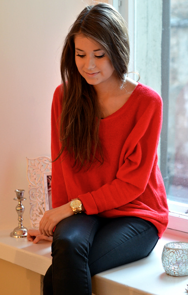 happiness comes in a box | Fashion, Red cashmere sweater, Red .