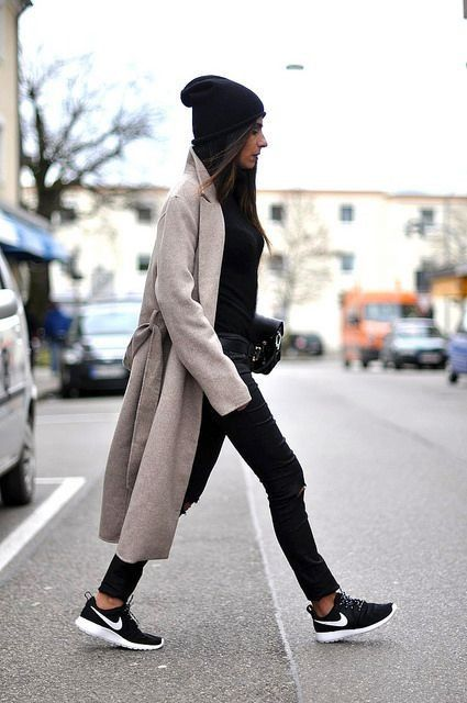 41 Cute and Stylish Outfit Ideas with Beanie in 2020   Winter .