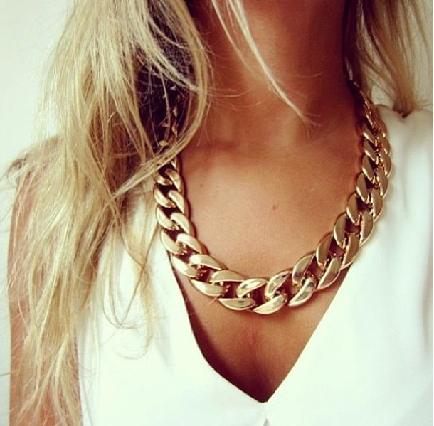 gold chain | Chunky chain necklaces, Chunky gold chain, Fashi