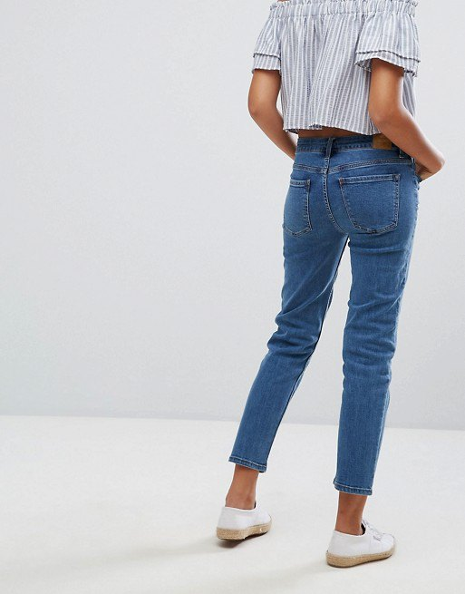How to Wear Cigarette Jeans: 13 Best Outfit Ideas - FMag.c