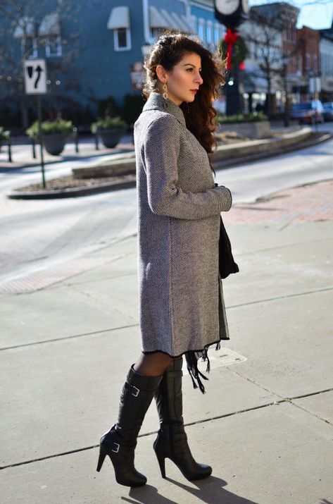 VALENTINE'S DAY OUTFIT IDEA – COCOON COAT + FAUX-LEATHER DRESS _ .