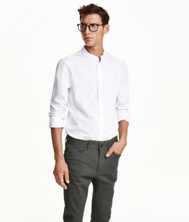 Long-sleeved, collarless shirt in premium white cotton poplin .