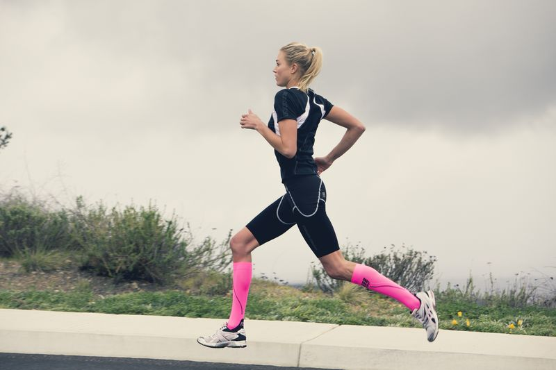 Compression Socks for Women: Outfit Ideas & How They Function .