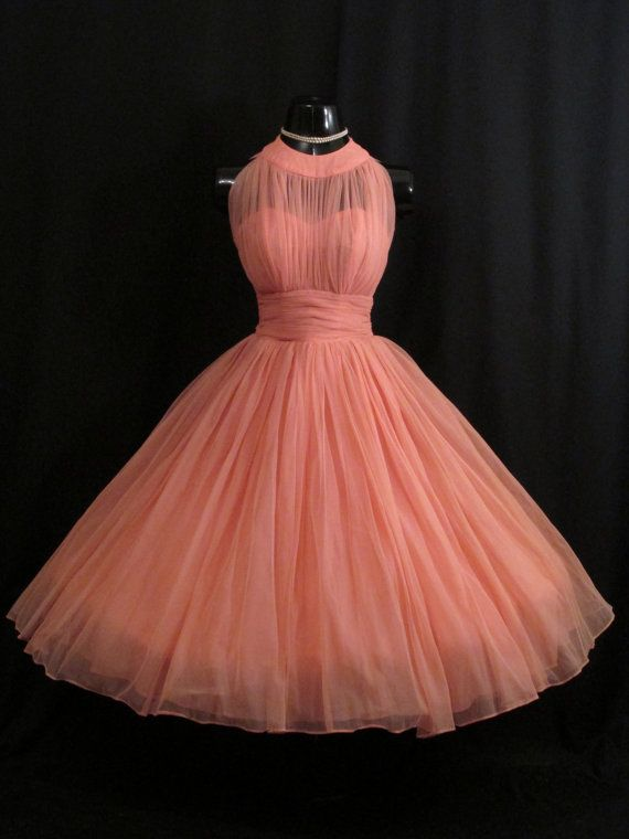 Vintage Outfits : RESERVED Vintage 1950's 50s Bombshell Halter .