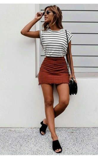 $20 Cute Black And White Striped Sleeveless T-Shirt With Dusty .