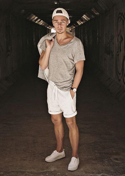 Edgar Vanuska - H&M Cap, H&M T Shirt, H&M Cotton Shorts, H&M .