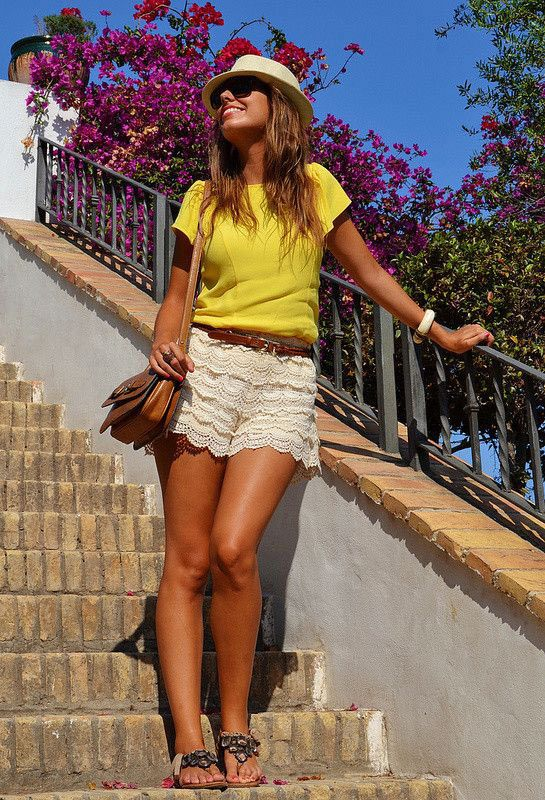 20 Style Tips On How To Wear Lace Shorts | Lace short outfits .