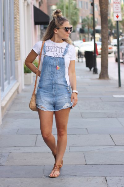 How to Style Denim Overall Shorts: Outfits Ideas for Women - FMag.c