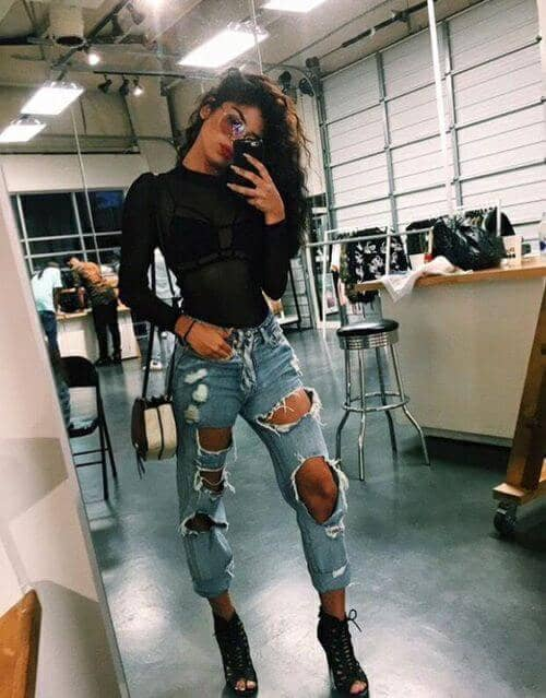 25 Ripped Jeans Outfits That Prove Denim Is Here to St