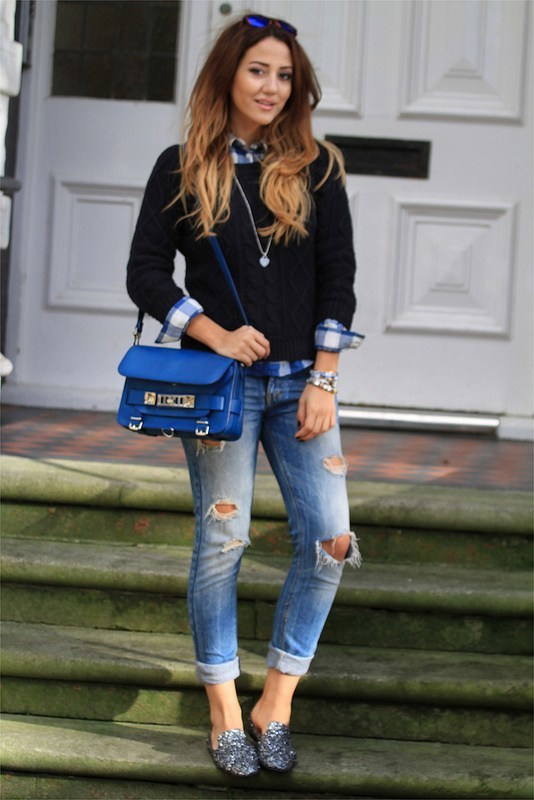 Outfits with Ripped Jeans-15 Ways to Wear Distressed Deni