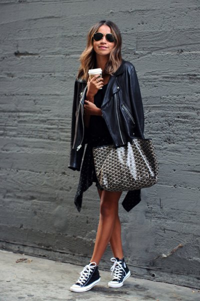 How to Drape Jacket Over Your Shoulders: Best Outfit Ideas - FMag.c