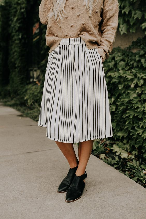 How to Wear Elastic Waist Skirt: The Complete Style Guide - FMag.c