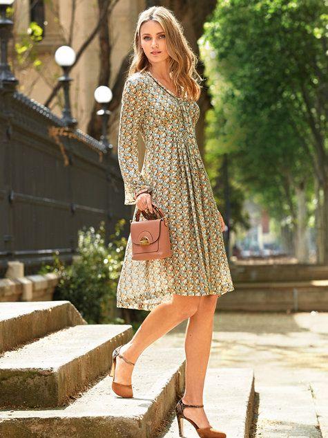 Empire Waist Dresses: 12 Stylish Outfit Ideas - FMag.c