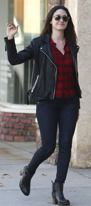 Winter outfit ideas with black leather Jacket for women | Winter .