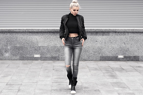 Krist Elle - Gray Ripped Knee Skinny Jeans, Black Womens Bomber .