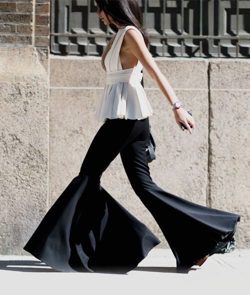 How to Wear Flared Pants Like Chic Parisian Girls | Fashion, Flare .