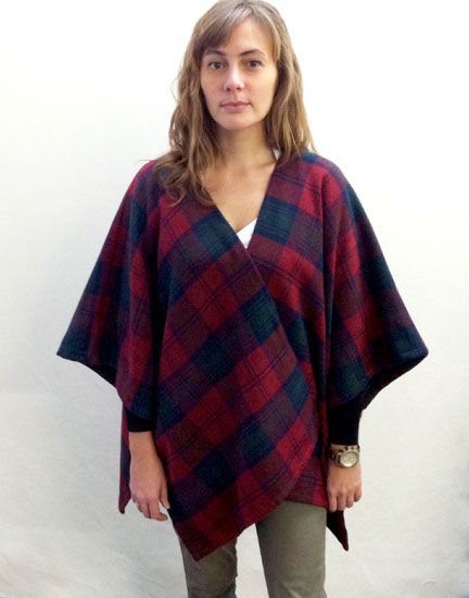 Two Quick Gifts to Sew This Holiday | Poncho pattern sewing .