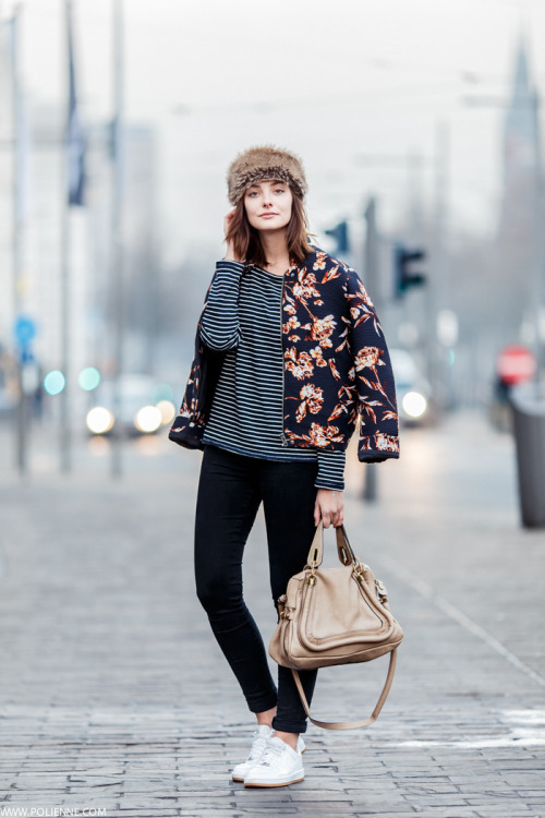 How to Wear a Blue Floral Bomber Jacket For Women (5 looks .