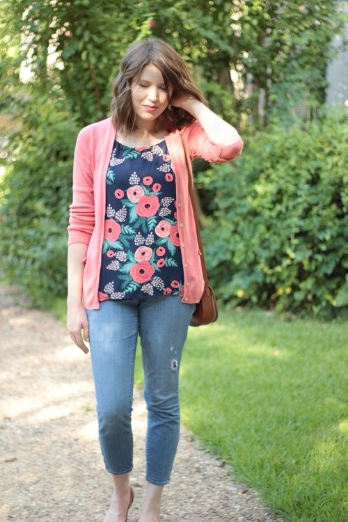 Girls Floral Blouse Outfits-25 Ways To Style a Floral Blouse .