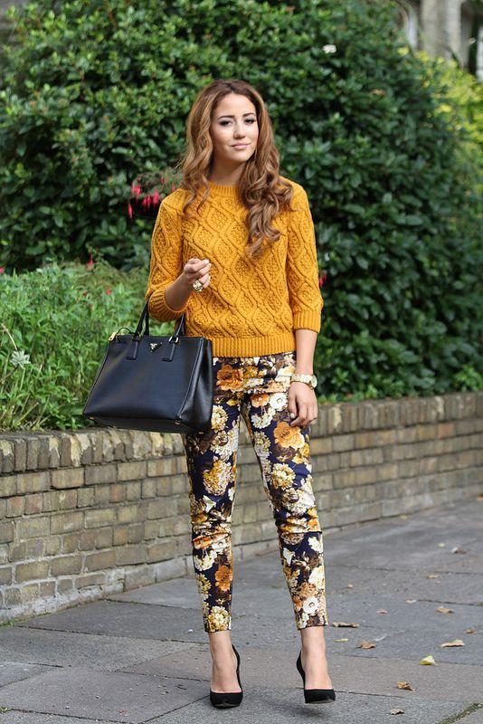 mustard-sweater-and-floral-pants | Abiti da lavoro donne, Stile di .