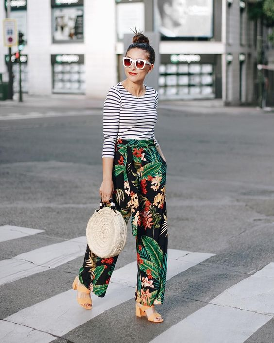 Outfit Ideas with Floral Pants for this Summer Season - crazyfor