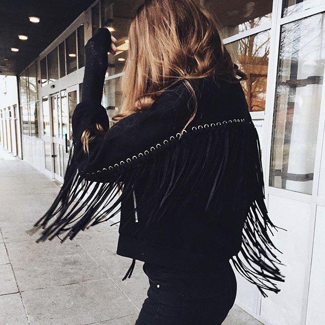 LOVE this suede fringe jacket from @livi.clothing | Style, Fringe .