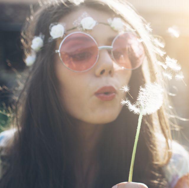 15 DIY Hippie Costume Ideas - Hippie Halloween Costumes You Can D